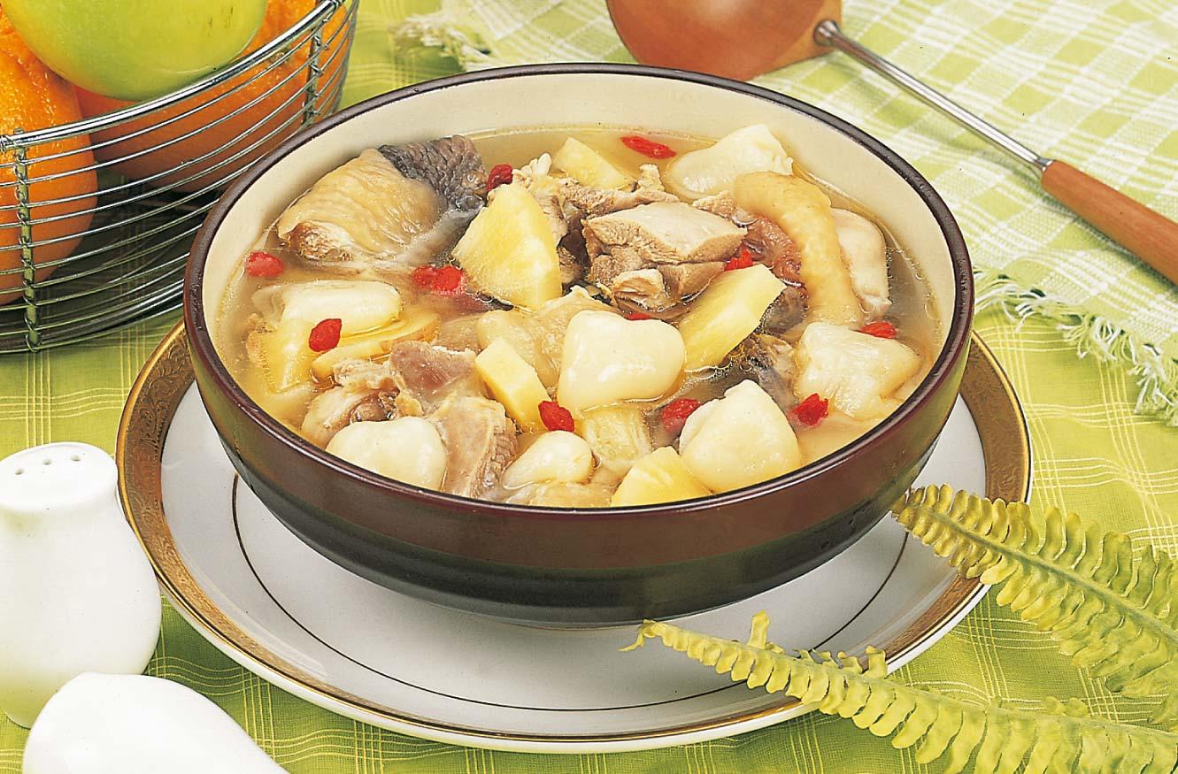 荔枝燉雞湯
